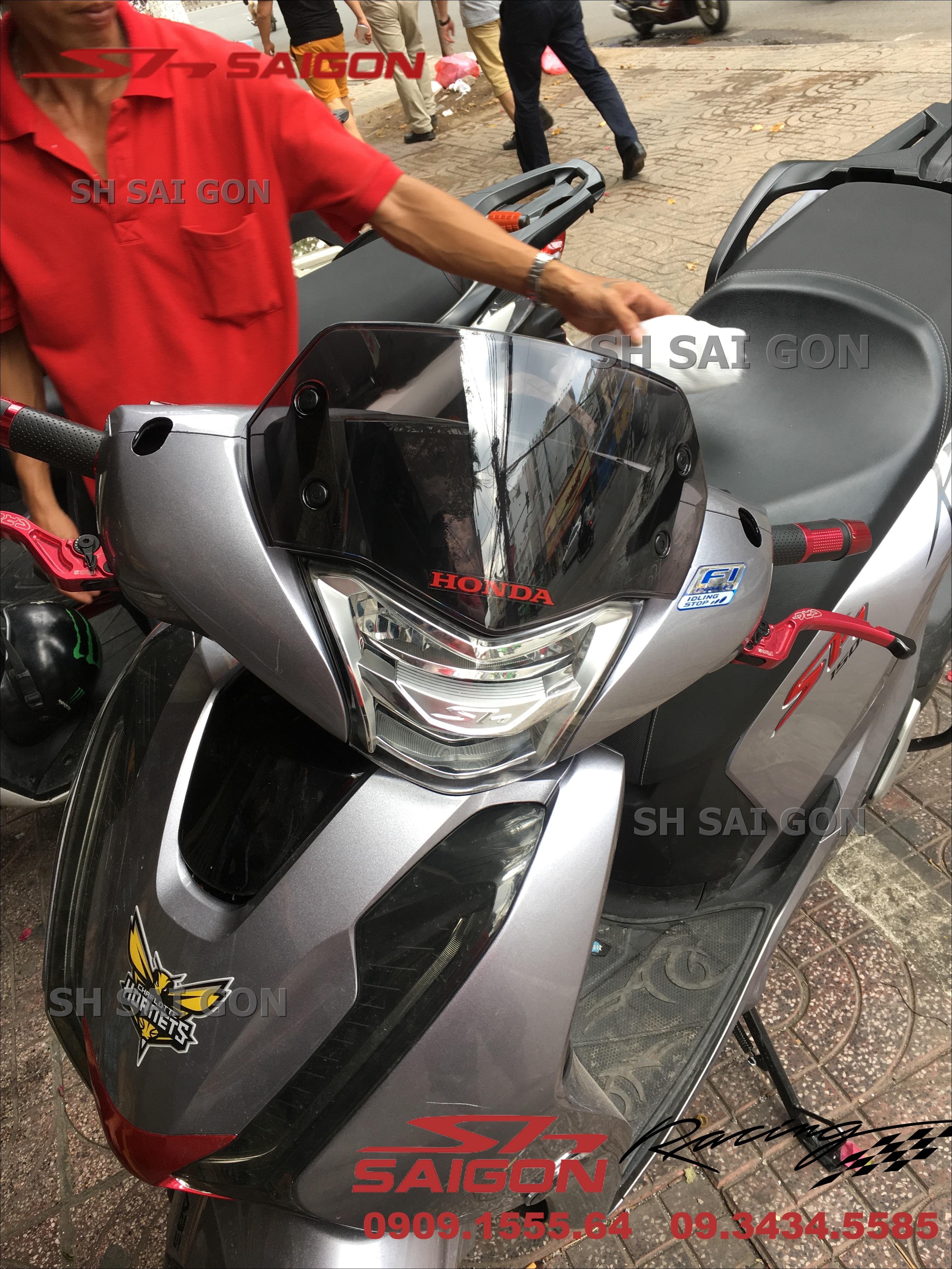 Image xe SH Việt Nam 2017 2018 2019 lắp kính chắn gió uy tín giá phải chăng tại Hồ Chí Minh